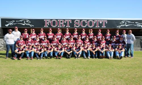 team photo of FSCC baseball