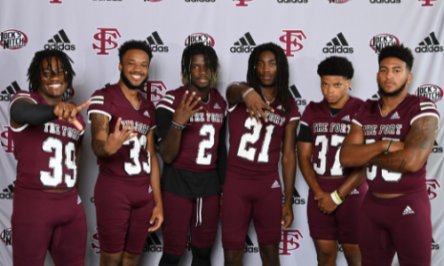 group picture of fscc football players