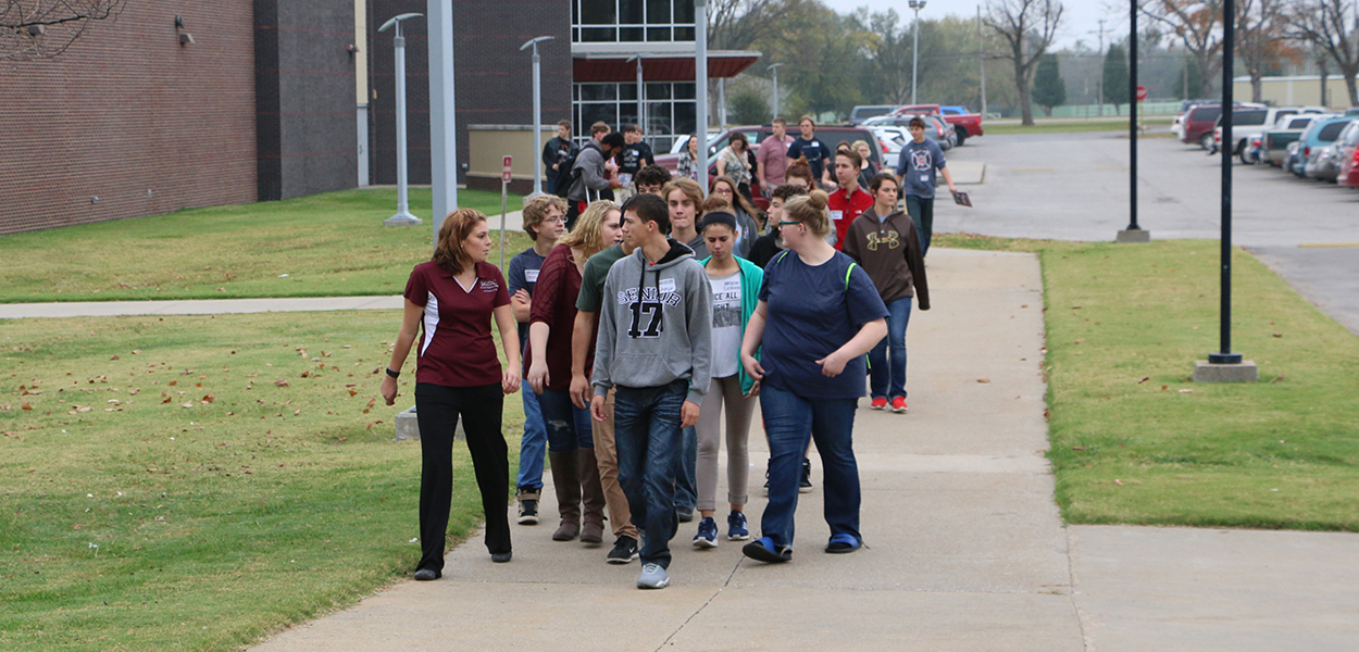 Students Tour FSCC